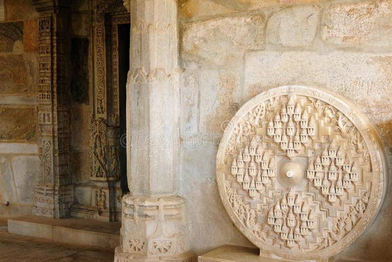 Temple Jain dans Ranakpur, Inde images libres de droits
