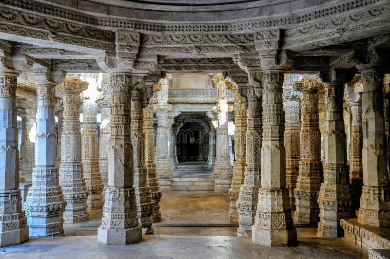 Temple Jain de Chaumukha Mandir dans Ranakpur, R?jasth?n, Inde photographie stock