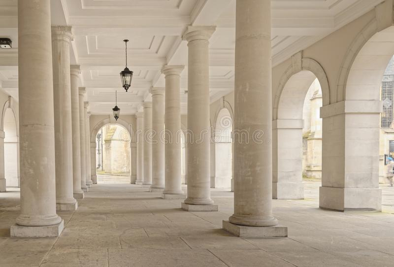 Temple, london, england: colonnade lamps stock photography