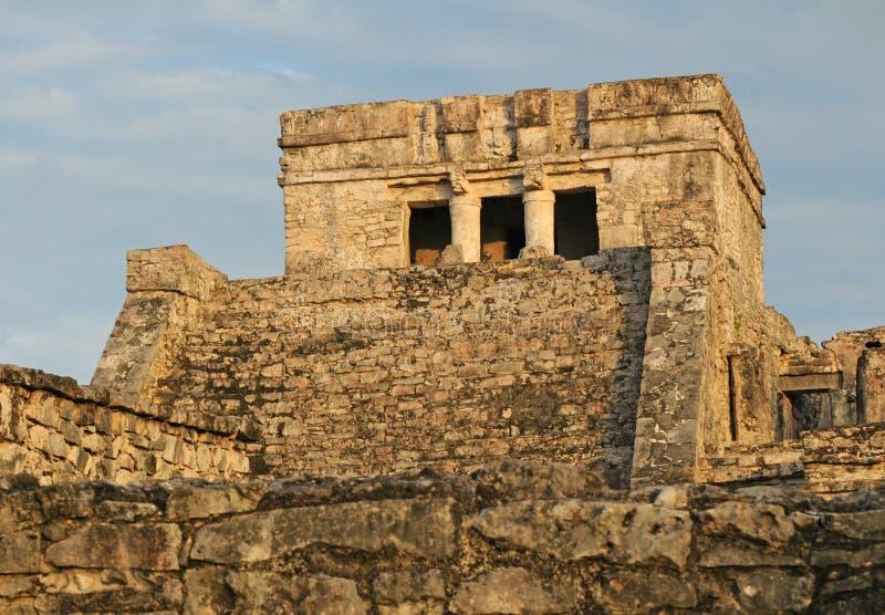 Temple maya antique pour des cérémonies images stock