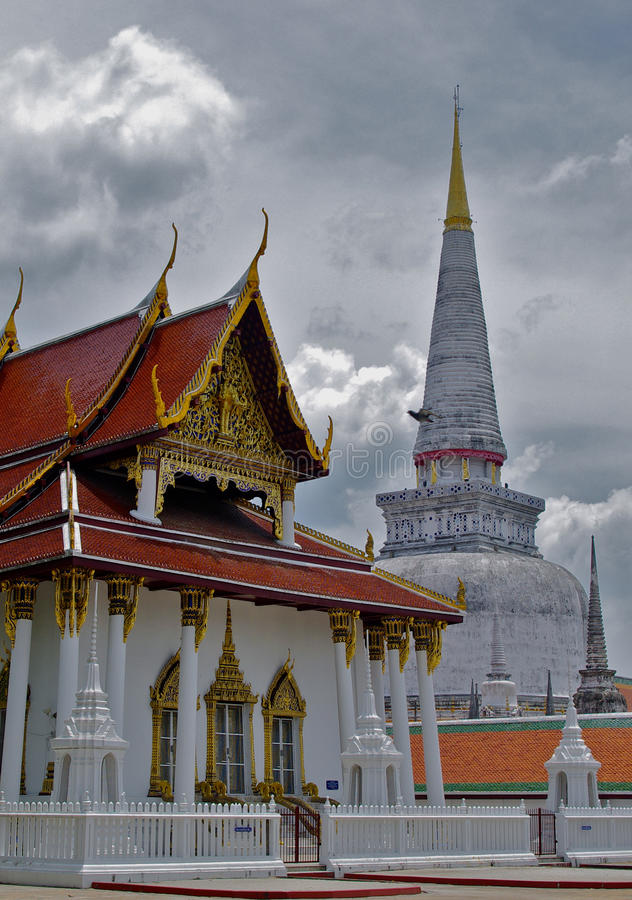 Temple Nakorn Si Thammarat, Thaïlande de Phra Mahathat image libre de droits