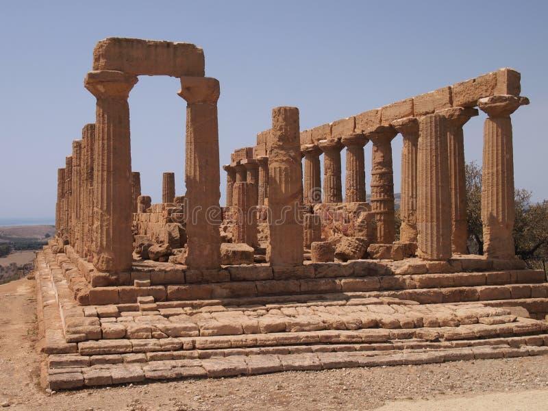 Temple par la mer photos stock