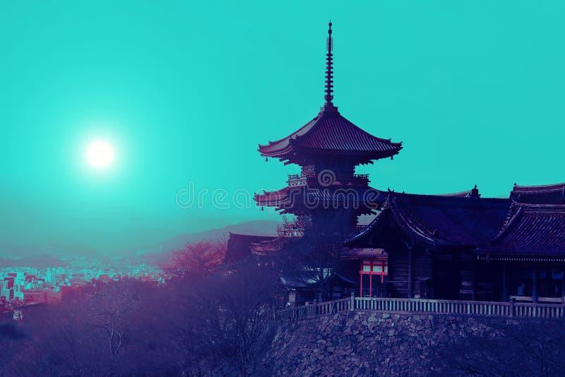 Temple pendant la nuit photo libre de droits