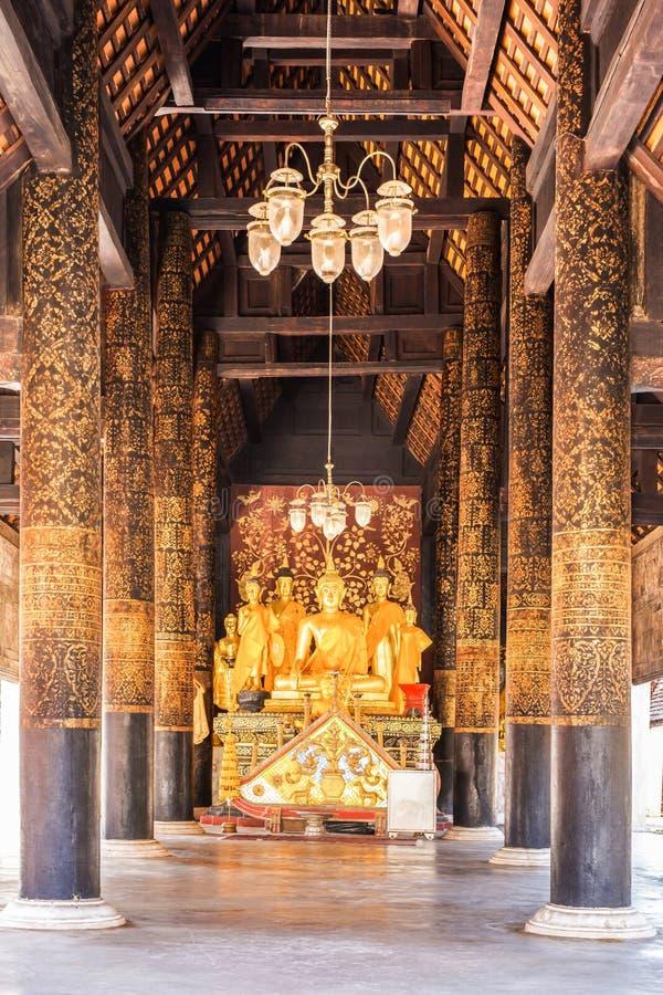 Temple Phra de statue de Bouddha que Lampang Luang photo libre de droits