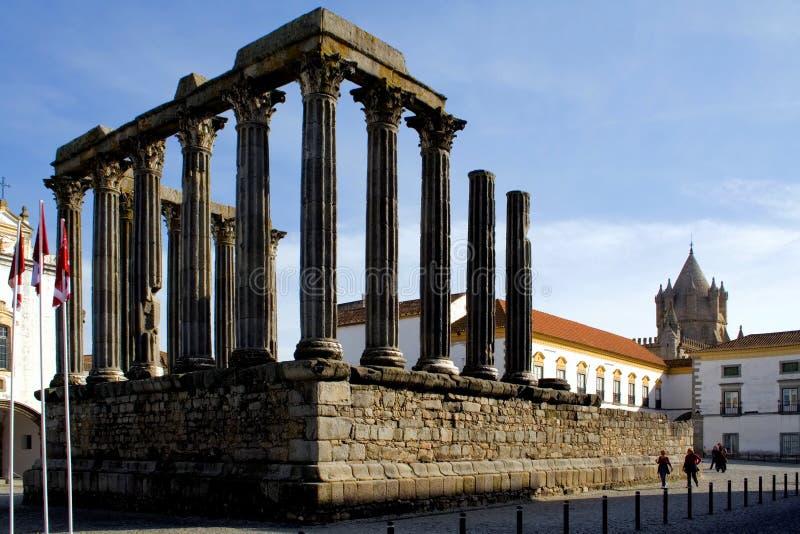 Temple romain à Evora, Portugal. photo stock