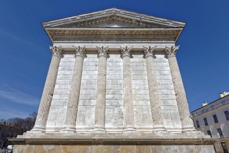 Temple romain, Maison Carree, dans des Frances de Nîmes image libre de droits