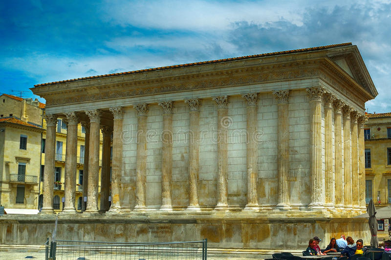 Temple romain, Nîmes, France photo stock
