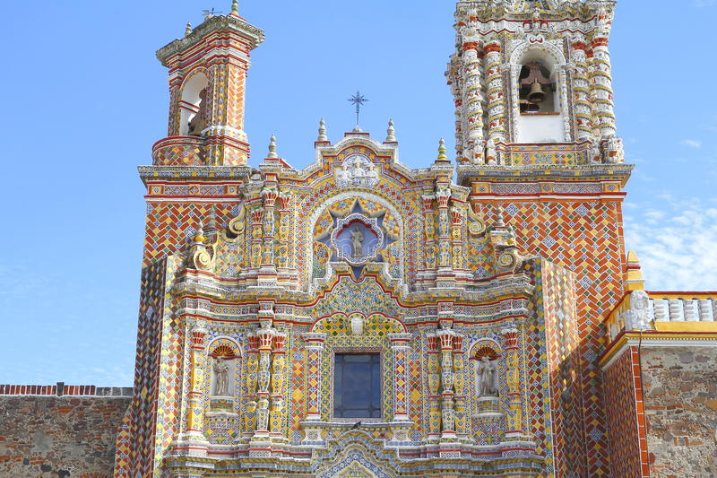 Templo de San Francisco Acatepec, Cholula