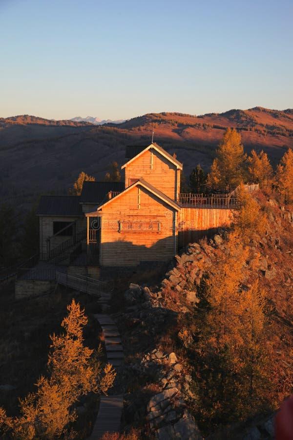 Temple sur la montagne photo stock