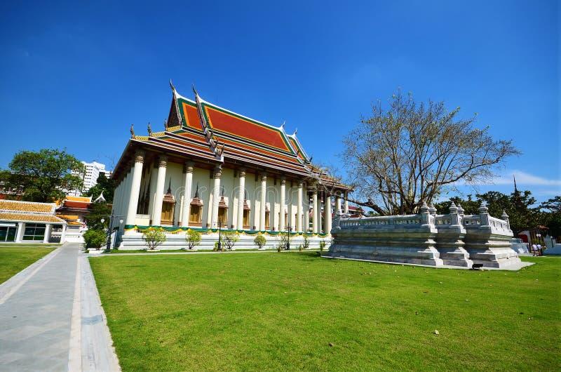 Temple thaï traditionnel de Bouddha à Bangkok photographie stock libre de droits