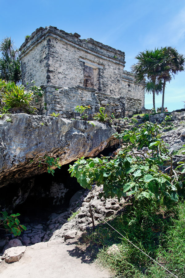 Download Temple Tulum Mexico stock photo. Image of vegetation, archaeology - 3976940