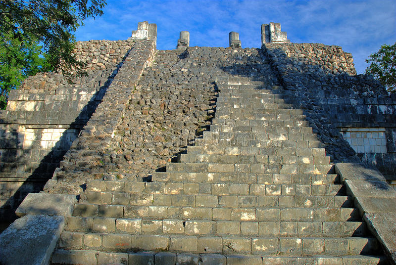 Download Temple Of The Warriors. Chichen Itza, Mexico Stock Image - Image: 22597851