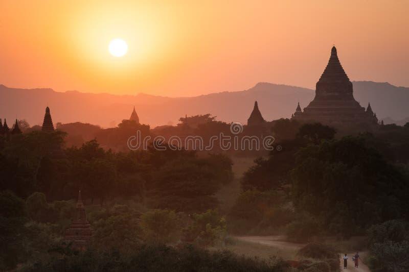 Temples bouddhistes chez Bagan Kingdom, Myanmar (Birmanie) images stock