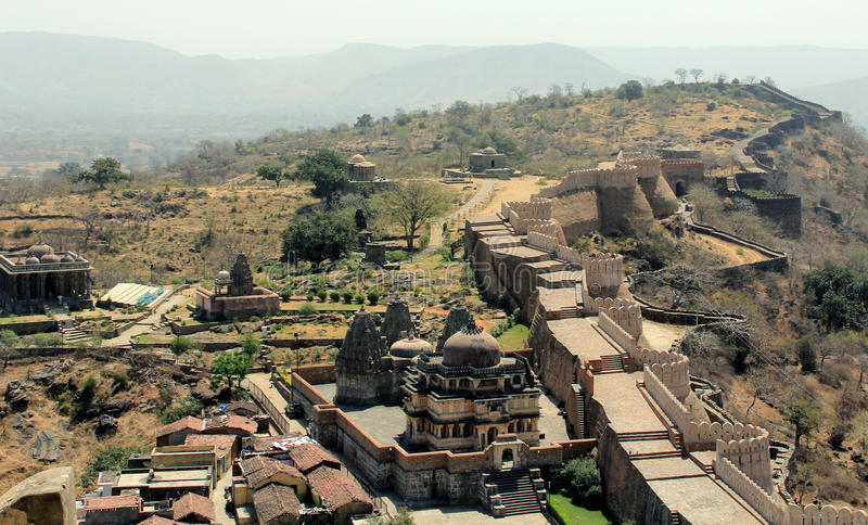 Temples and city wall at Kumbhalgarh stock images