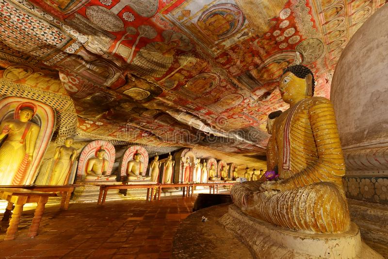 Temples de caverne de Dambulla dans Sri Lanka photographie stock libre de droits