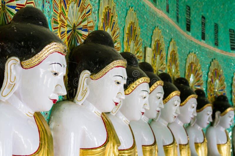 Templet av de 45 Buddha, Mandalay arkivbilder