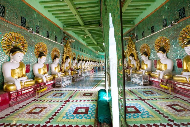 Templet av de 45 Buddha, Mandalay royaltyfri fotografi