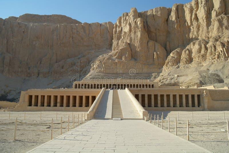 Templet av drottningen Hatshepsut i Luxor, royaltyfria foton