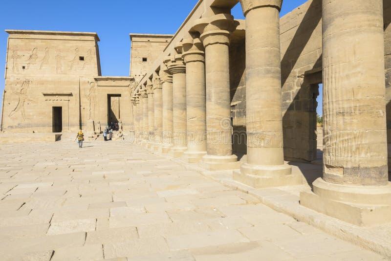 Templet av Isis från Philae, Aswan (Egypten) royaltyfri foto