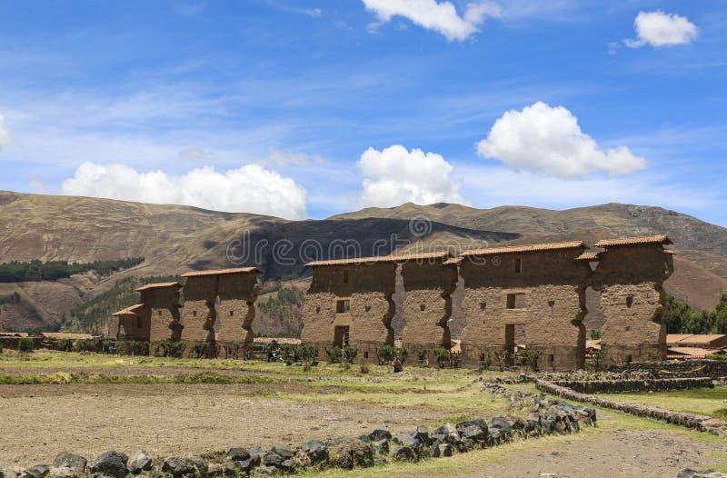 Templet av Wiracocha i Raqchi, Peru royaltyfria bilder