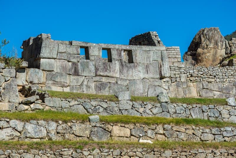 Templet för tre Windows i Machu Picchu fördärvar Cuzco Peru arkivbild