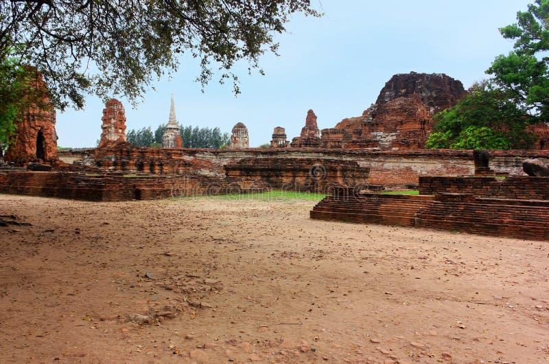 Templet fördärvar av Wat Phra Sri Sanphet, gamlan Royal Palace ayutthaya thailand arkivbilder