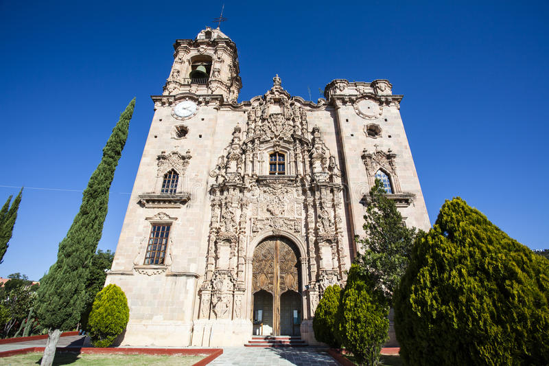 Templo圣卡耶塔诺教会的门面在瓜纳华托州在墨西哥 免版税库存照片