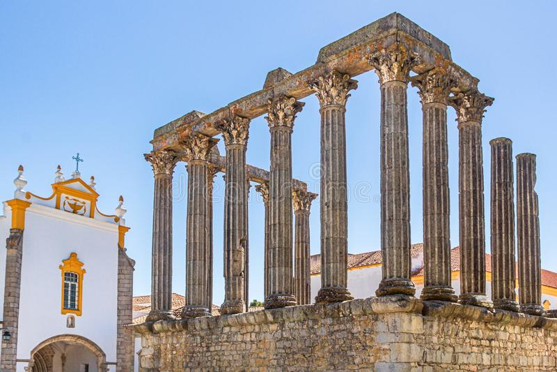 Templo罗马或Templo de戴安娜在埃武拉 库存照片