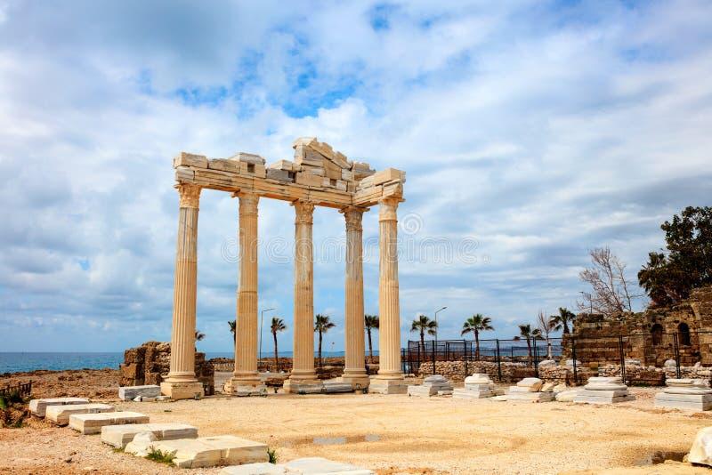 Templo antigo FO Apollo no mar de Mediterranien fotografia de stock royalty free