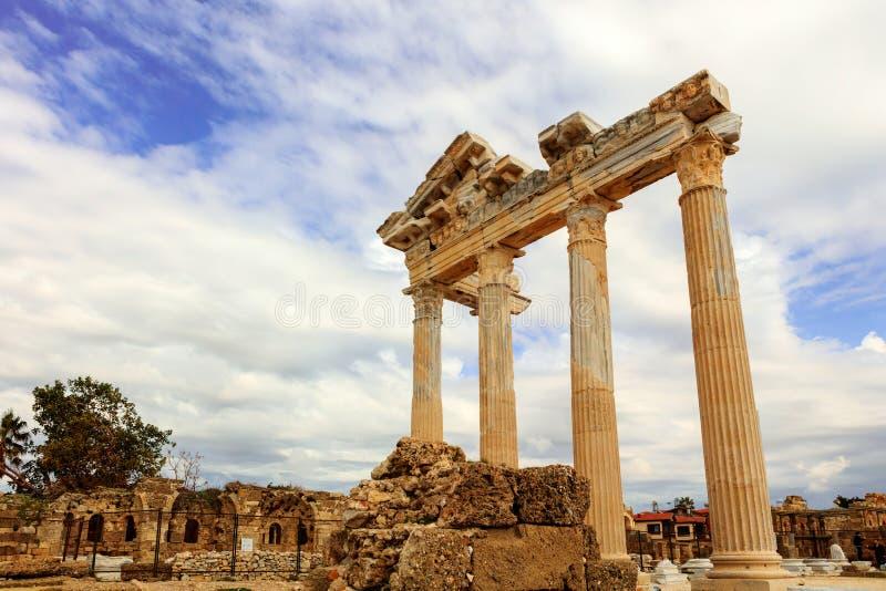 Templo antigo FO Apollo no mar de Mediterranien imagem de stock