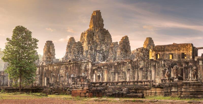 Templo antiguo Bayon Angkor Siem Reap, Camboya fotografía de archivo libre de regalías