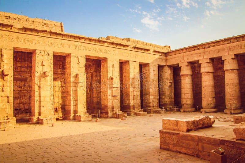 Templo antiguo hermoso de Medina-Habu Egipto, Luxor imagen de archivo