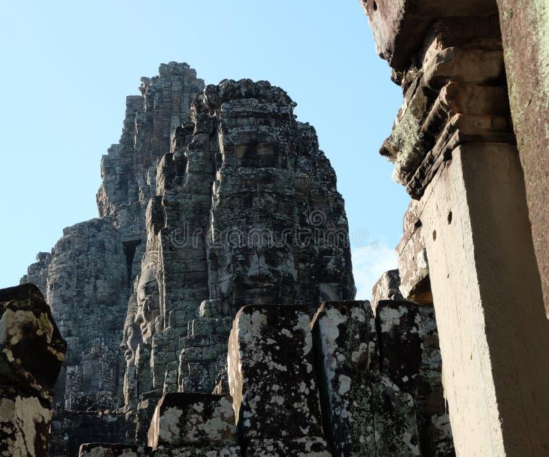 Templo antiguo monumental de Bayon en Camboya Templo medieval en Indochina Arte arquitectónico de civilizaciones antiguas foto de archivo libre de regalías