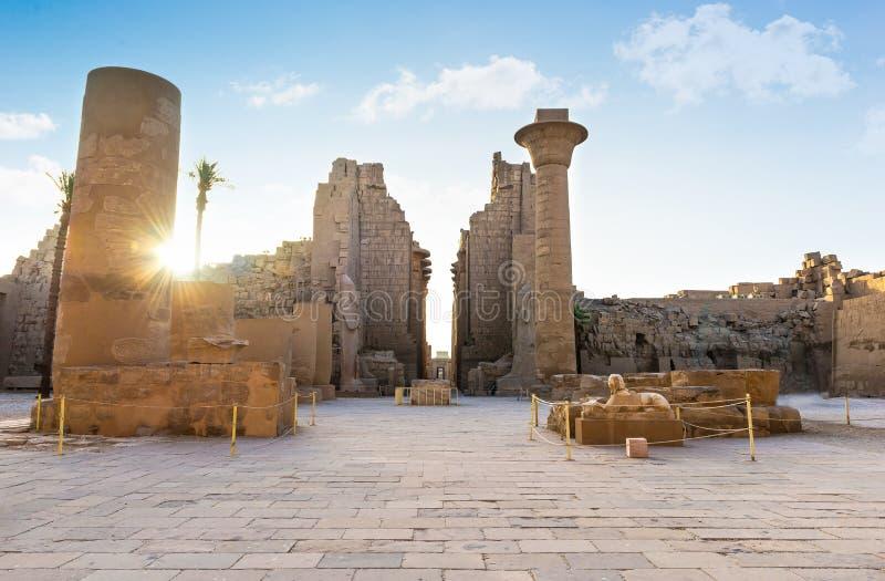 Templo arruinado de Karnak fotografía de archivo