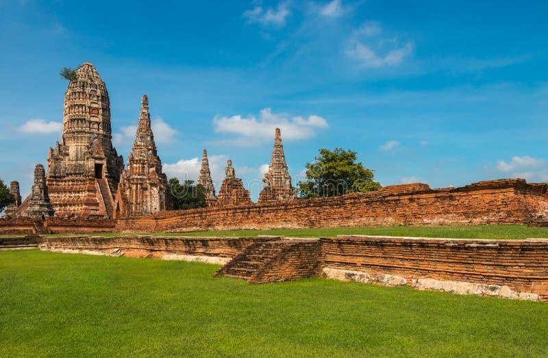 Templo arruinado, Wat Chai Wattanaram, no parque histórico de Ayutthaya imagem de stock