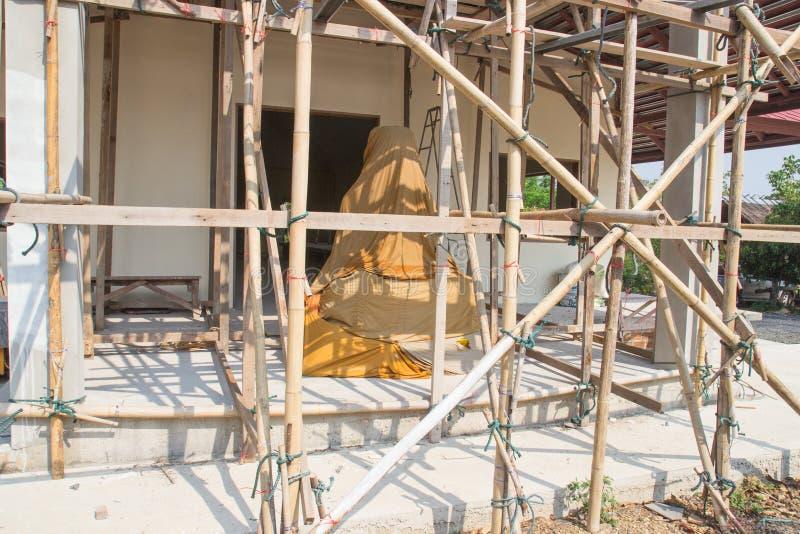 Download Templo Asiático Bajo Construcción Imagen de archivo - Imagen de madera, santo: 42433155