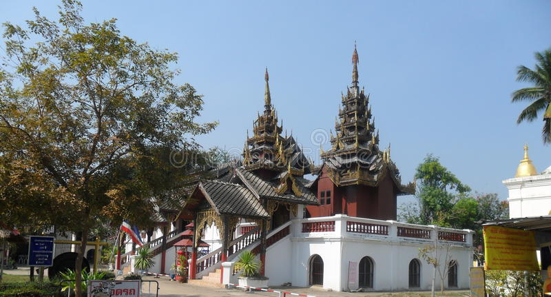 Templo birmano en Tailandia imagen de archivo libre de regalías