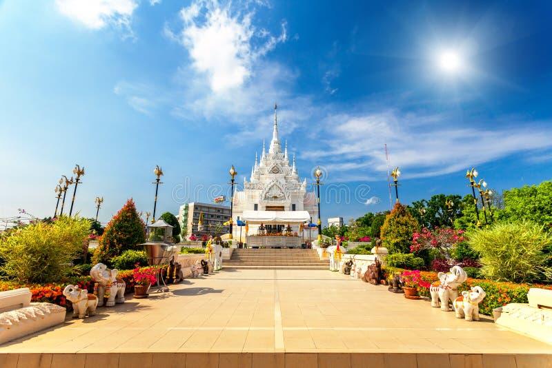 Templo blanco en Tailandia foto de archivo