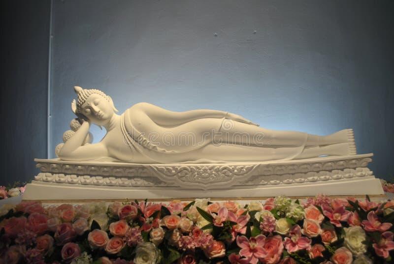 Templo branco de Keaw do filho de Pha da meditação do sono do buddhism Phetchabun Tailândia fotografia de stock