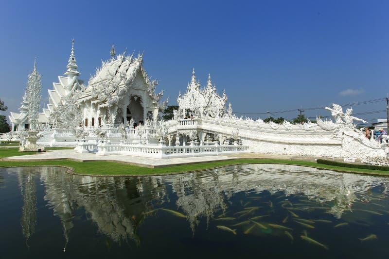 Templo branco em Chiang Rai fotografia de stock