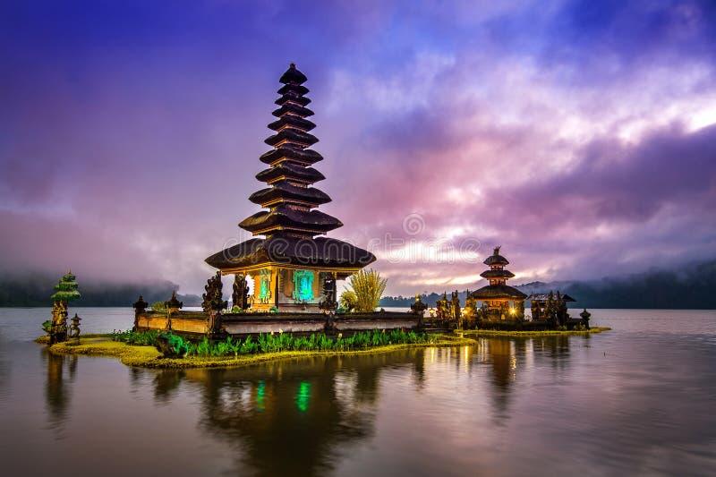 Templo bratan del danu del ulun de Pura en Bali fotografía de archivo libre de regalías