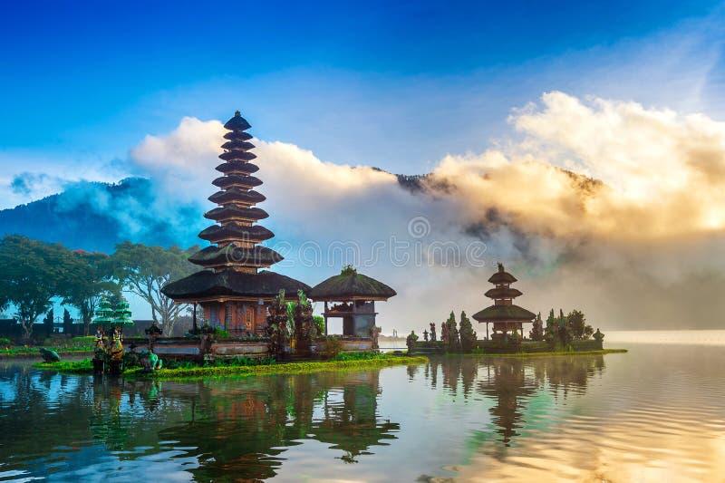 Templo bratan del danu del ulun de Pura en Bali foto de archivo libre de regalías