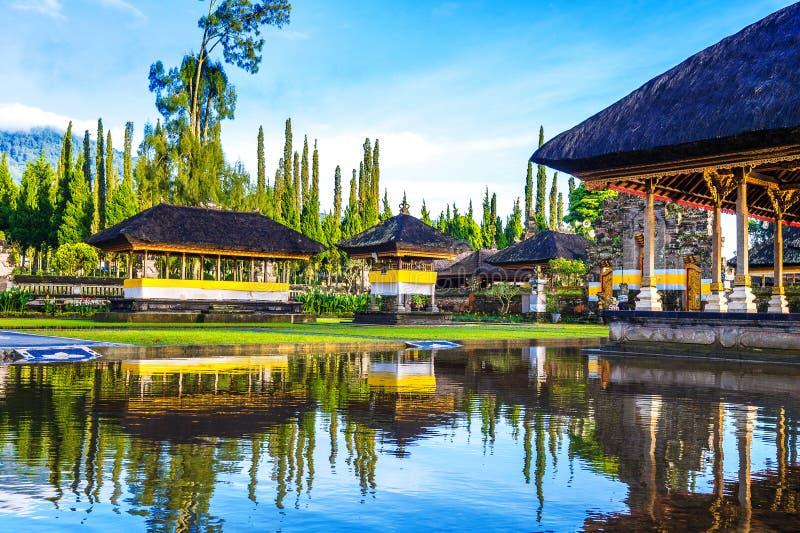 Templo bratan del danu del ulun de Pura en Bali fotos de archivo