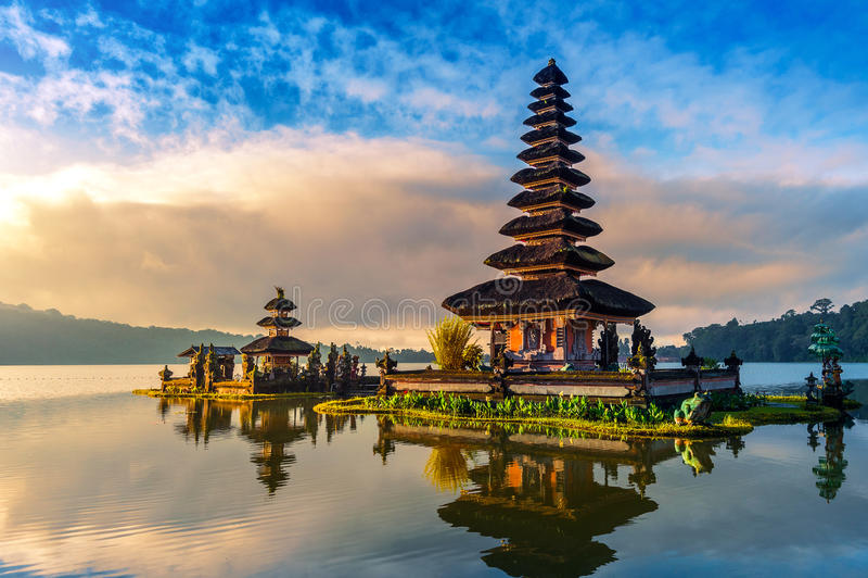 Templo bratan del danu del ulun de Pura en Bali imágenes de archivo libres de regalías