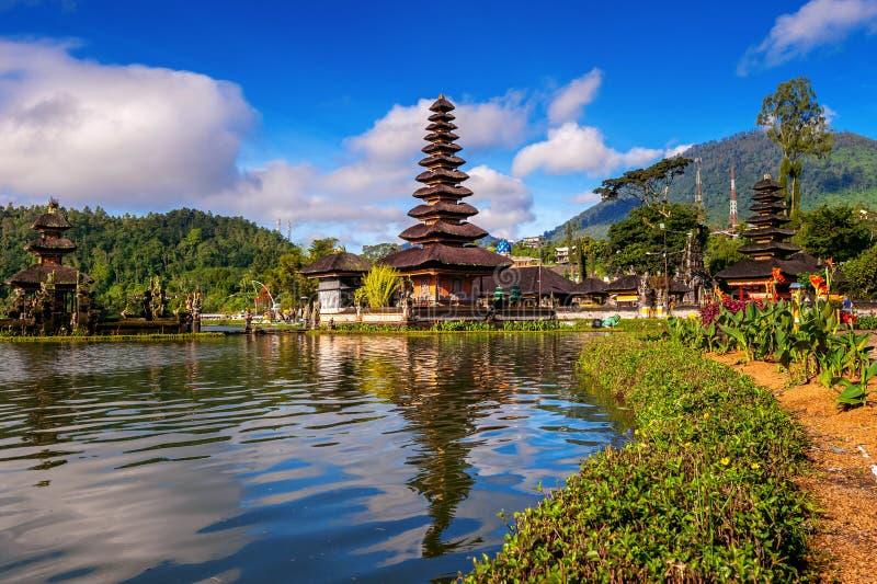 Templo bratan del danu del ulun de Pura en Bali imagen de archivo