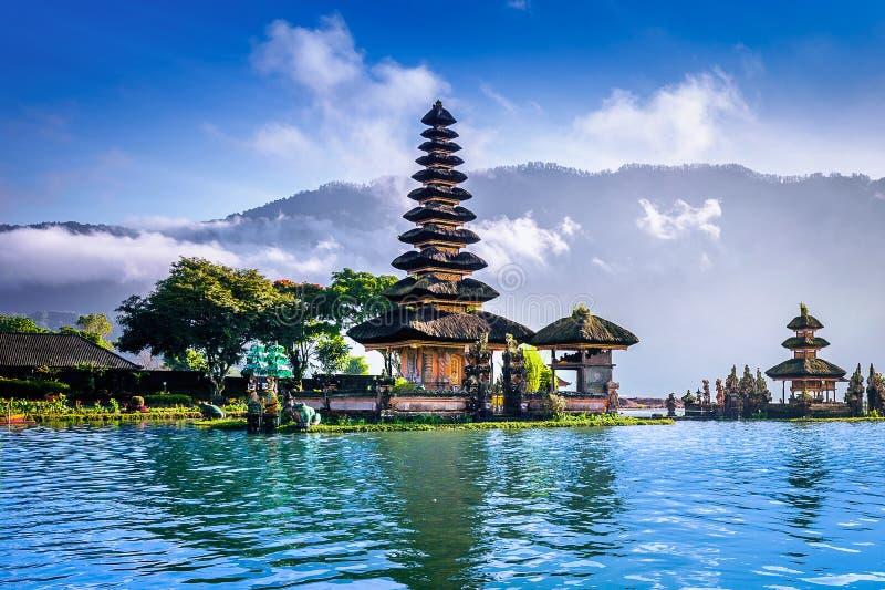 Templo bratan en Bali, Indonesia del danu del ulun de Pura imágenes de archivo libres de regalías