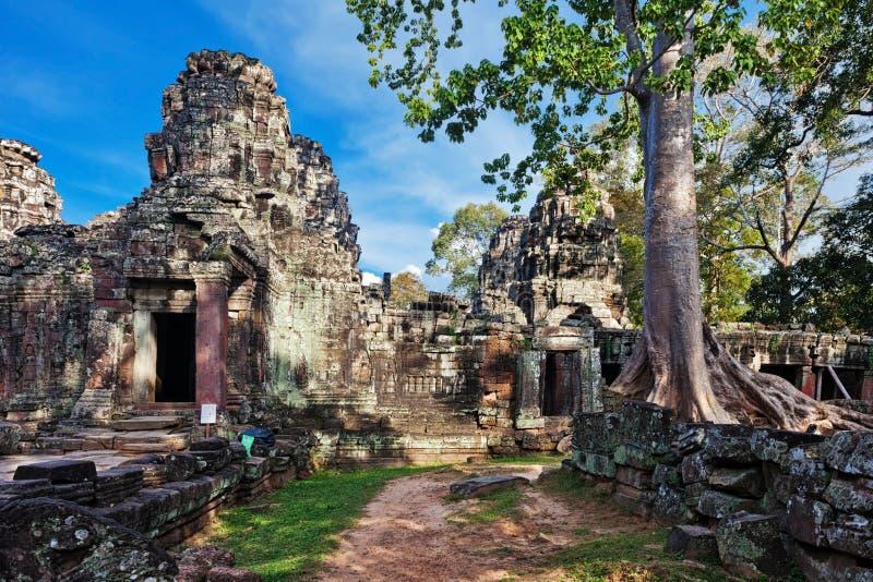 Templo budista antiguo del khmer en el complejo de Angkor Wat fotografía de archivo