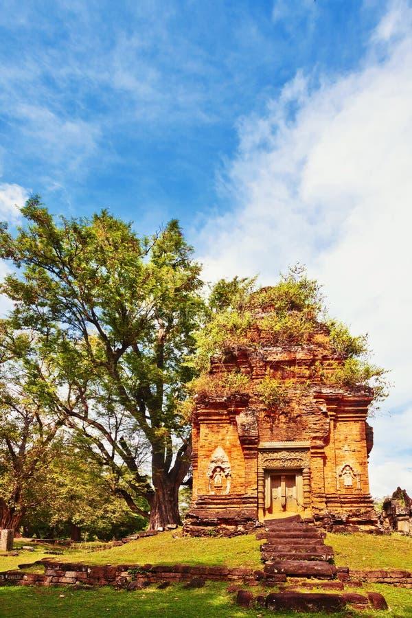 Templo budista antiguo del khmer en el complejo de Angkor Wat imágenes de archivo libres de regalías
