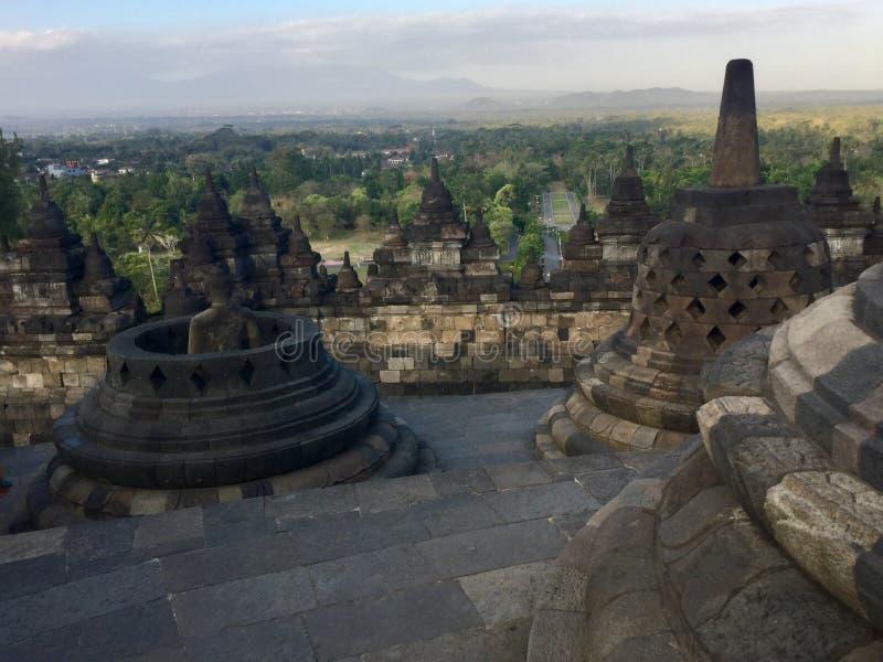 Templo budista de Borobudur Perto de Yogyakarta em Java Island, Indonésia fotos de stock