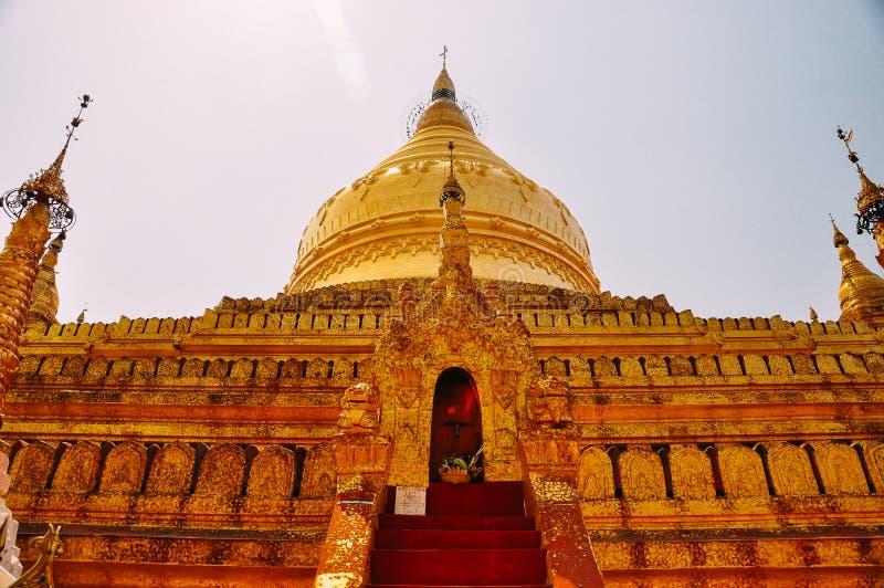 Templo budista de Shwezigon Paya, Bagan imagen de archivo libre de regalías